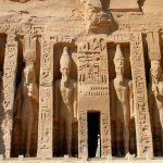 Temple_of_Queen_Nefertari_at_Abu_Simbel_1600x1067