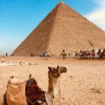 camel-ride-tour-rgyptfemale-tourguide