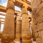 karnak-temple-day-tour-female-tourguide